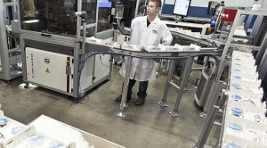 Tray handling in the optical industry