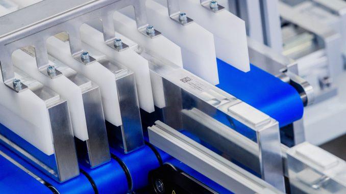 Zautomatyzowane rozwiązania do montażu ogniw baterii